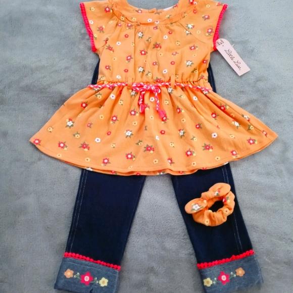 NWT Little Lass 2 pc Capri Set With Scrunchie